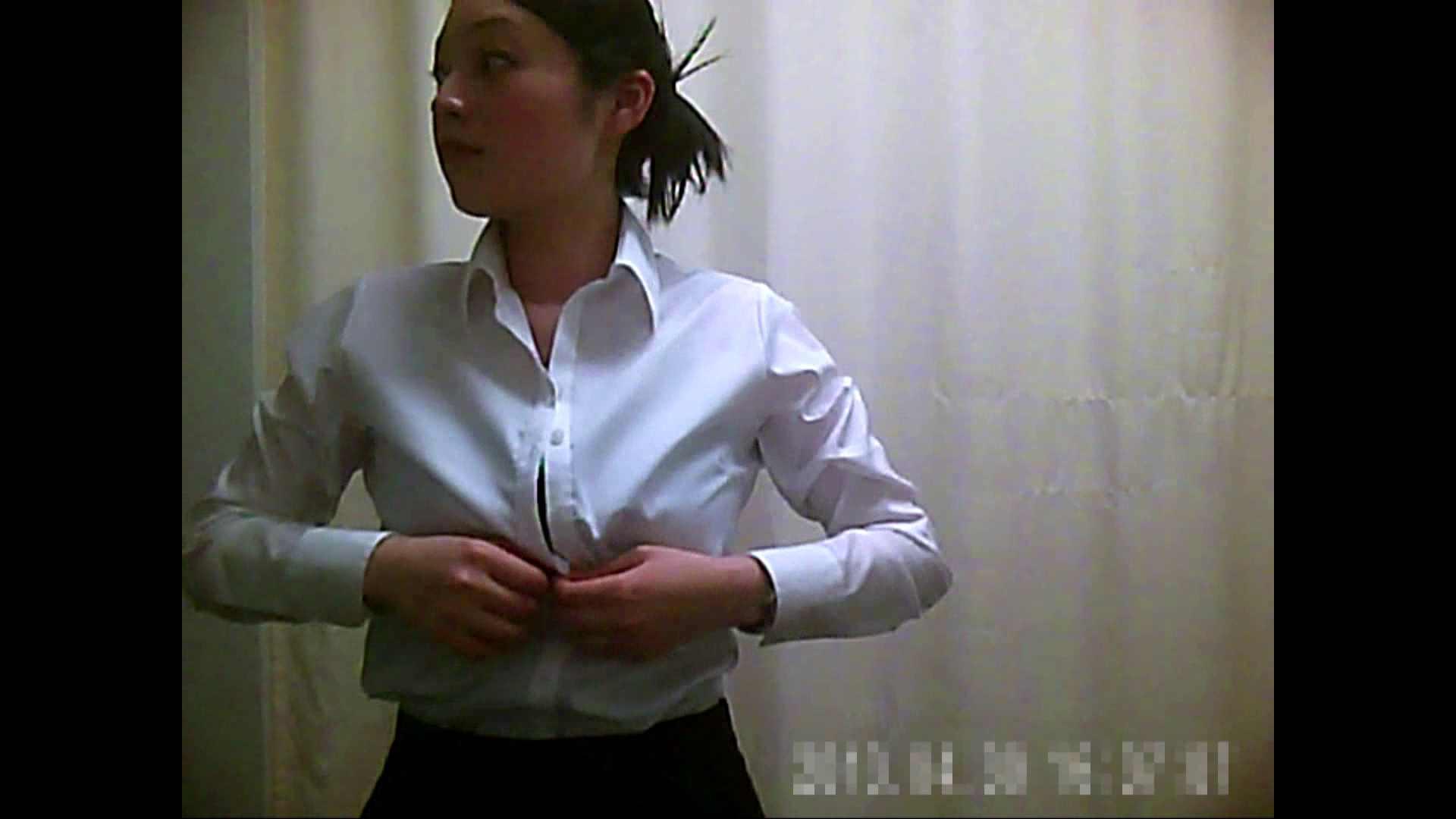 元医者による反抗 更衣室地獄絵巻 vol.090 OL | 0  30連発