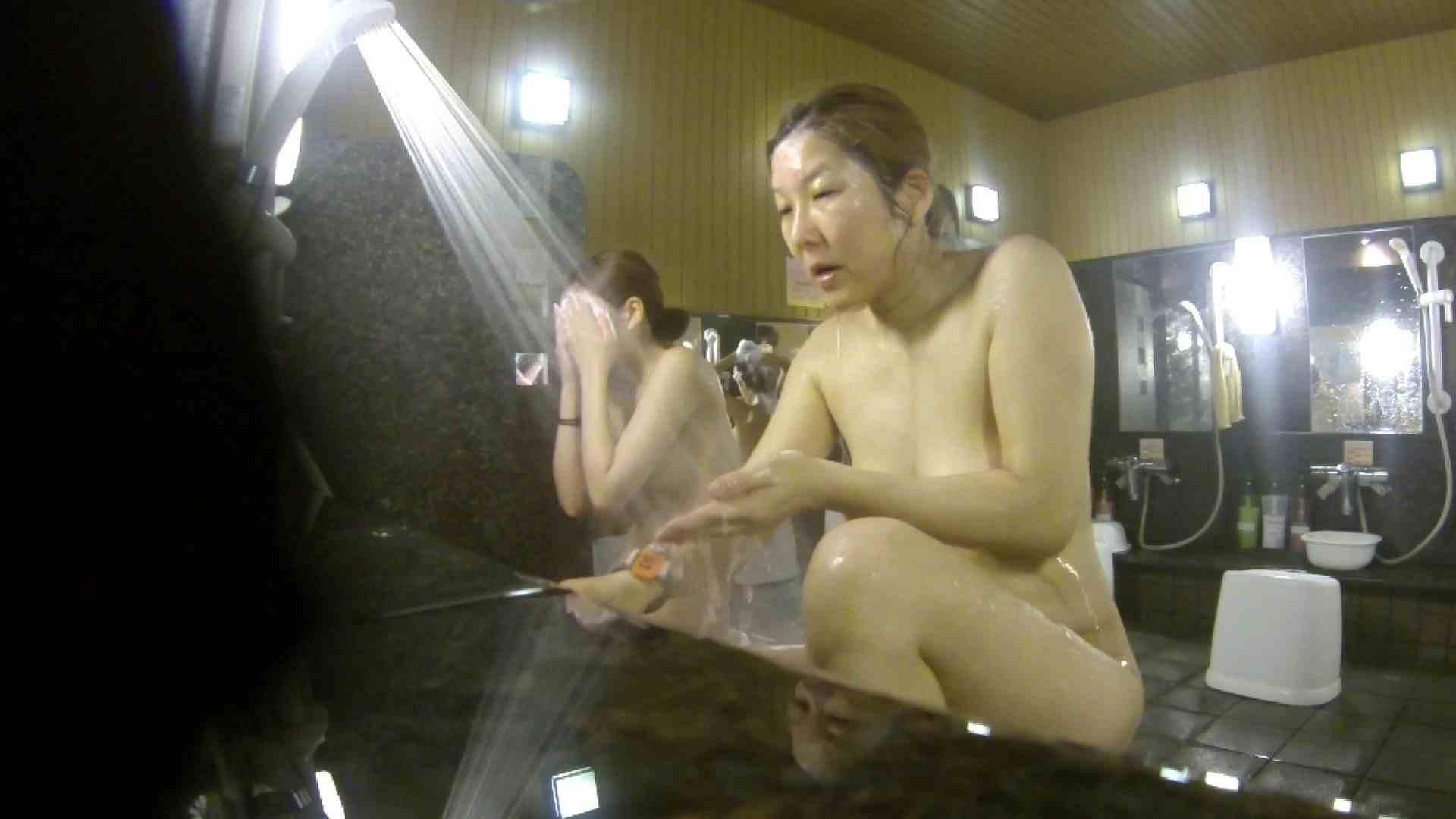 洗い場!崩れかけ?いや、崩れてます。。。 銭湯 | 潜入エロ調査  20連発