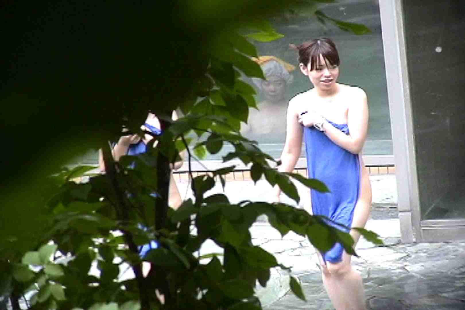 No.17 青い二人 美女達のヌード   露天風呂の女達  79連発