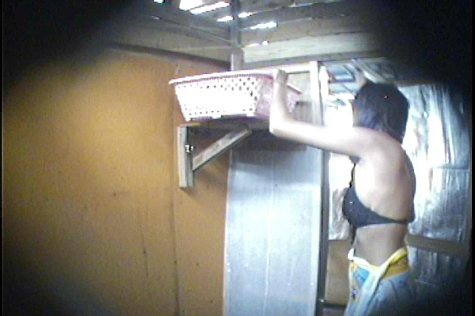 海の家の更衣室 Vol.56 シャワー中   美女達のヌード  69連発