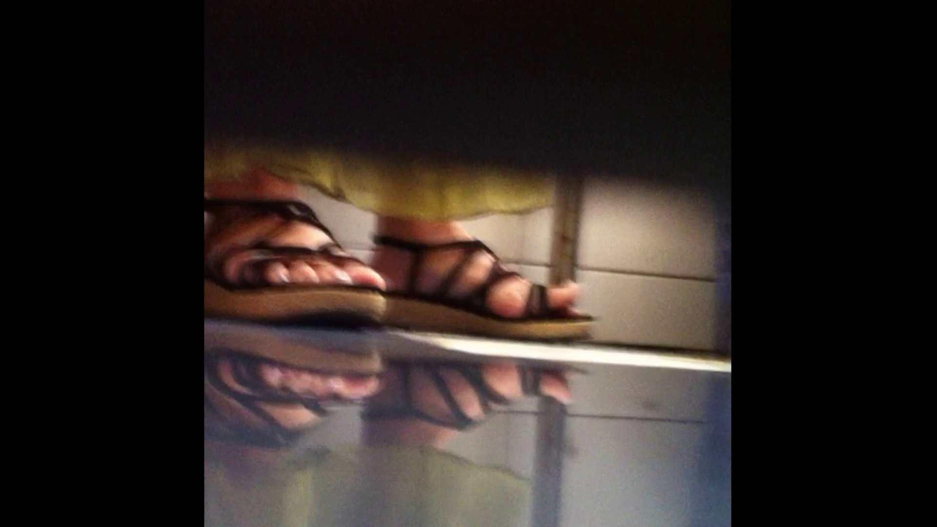 Vol.03 ちょっとお通じが・・・。そして足元の雰囲気でおたのしみください. ナース達のヌード | 洗面所着替え  78連発