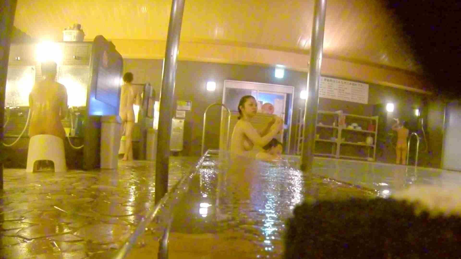 洗い場!形、大きさ、柔らかさ全てが合格点の触りたくなるオッパイ。 銭湯   潜入エロ調査  41連発