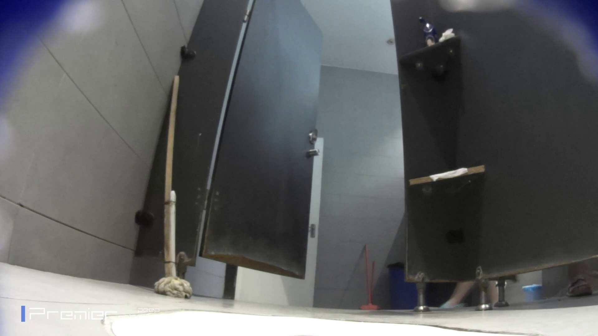 トイレットペーパーを握りしめ個室に入る乙女 大学休憩時間の洗面所事情83 うんこ好き | 洗面所着替え  21連発